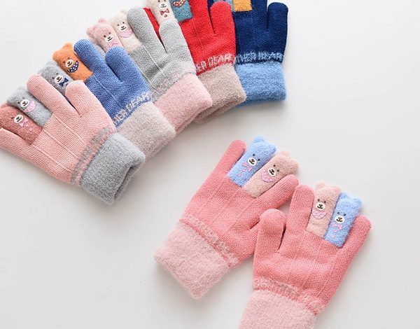 Why Choose Online Store To Buy Kids Hand Gloves?